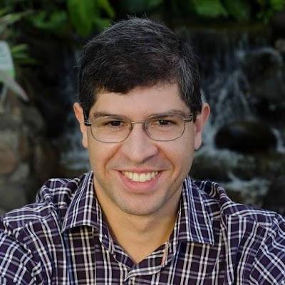 Oberlan Rossetim, autor de 'Cócegas na coceira', confidenciou sua poesia ao Recorte Lírico