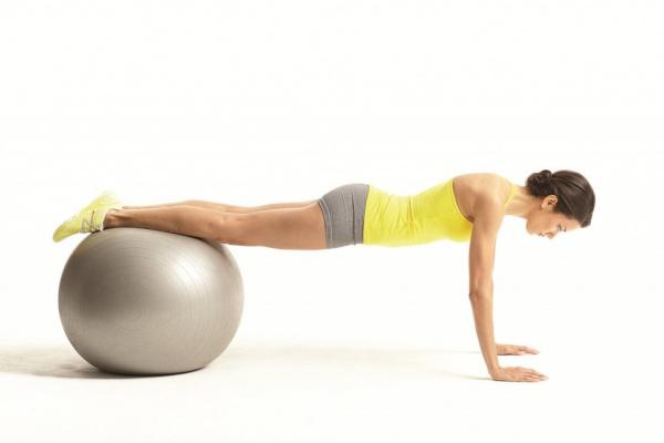 10 phút Yoga cho dáng đẹp khiến chàng mê tít
