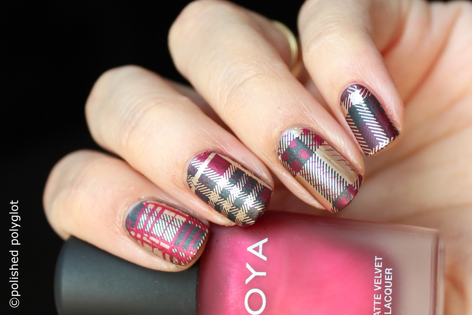 Nail art │Tartan pattern nail design [26GNAI] / Polished Polyglot