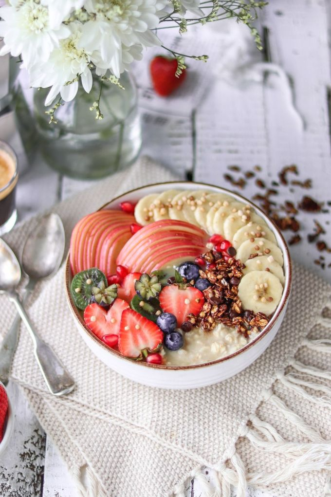 5 Ingredients Vegan Oatmeal Bowl. Need more recipes? Find 21 Easy and Healthy Vegan Oat RecipesTo Make Best Weight Loss Breakfast Ever! vegan breakfast oatmeal | oatmeal ideas | oatmeal recipes weightloss | oatmeal breakfast recipes #oats #oat #veganmeal #vegan