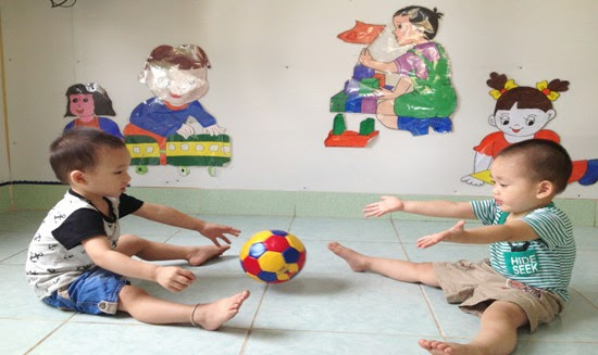 Dạy kỹ năng sống cho trẻ nhà trẻ 24 - 36 tháng tuổi