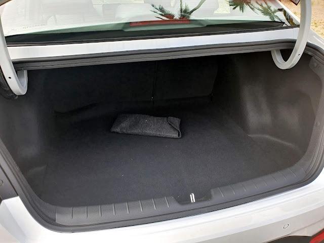 Hyundai HB20S (Sedã) 2020 - interior - porta-malas