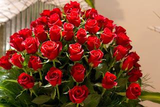 باقة ورد حمراء رائعة