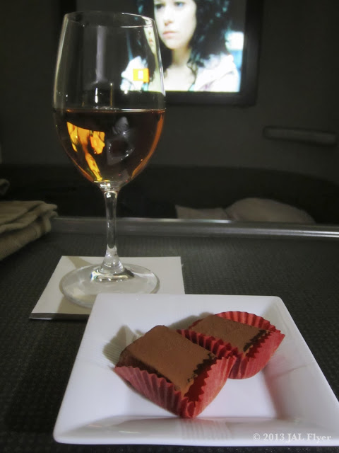 JAL First Class trip report on JL005 - Cocoa covered truffle from 5th Avenue Chocolatiere