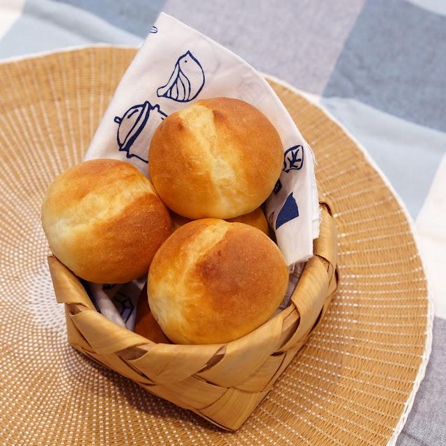 [烘焙食譜] 法式小餐包。外酥內軟!口感一流!簡易麵包機食譜推薦!   西西烹飪筆記