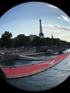 piste de course flottante sur la Seine