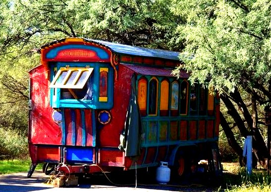 tiny-colourful-bohemian-gypsy-caravan-to