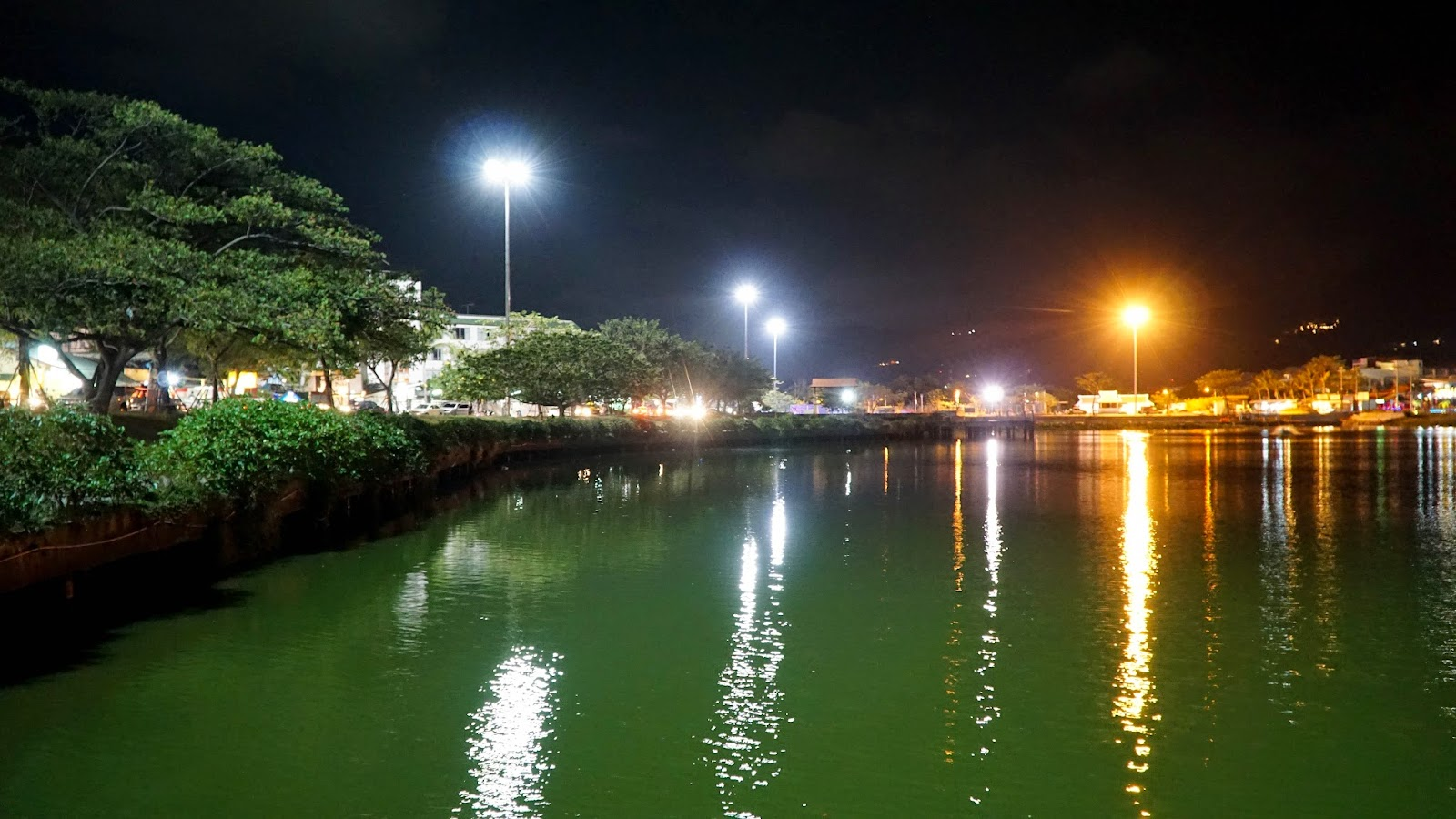 Chaweng Lake at night, a good place to sit back and relax