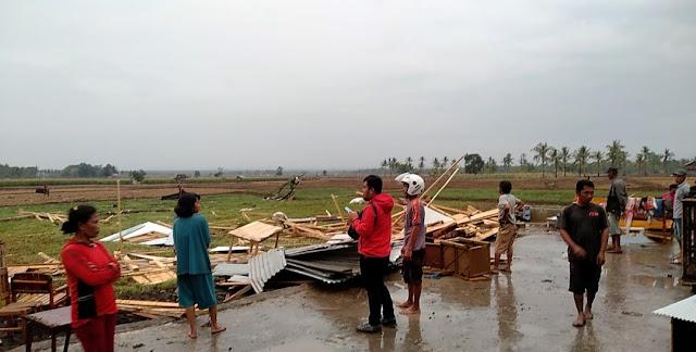 Puluhan Rumah di Soppeng Disapu Hujan Angin, Kerugian Ditaksir Hingga Miliaran Rupiah