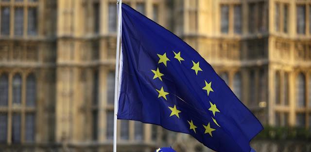 Ευρώπη: Τρία λάθη από έναν πολιτικό νάνο