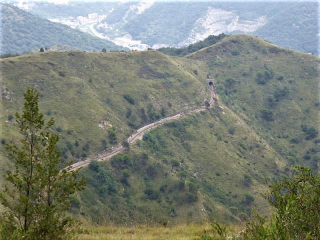 tratto della ferrovia genova casella visto da Forte Puin
