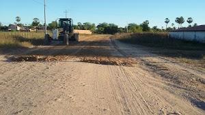 Trabalho de recuperação de estradas vicinais é iniciado em Felipe Guerra