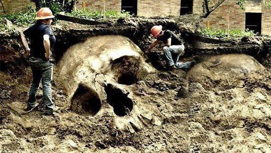 Esqueletos Gigantes escondidos
