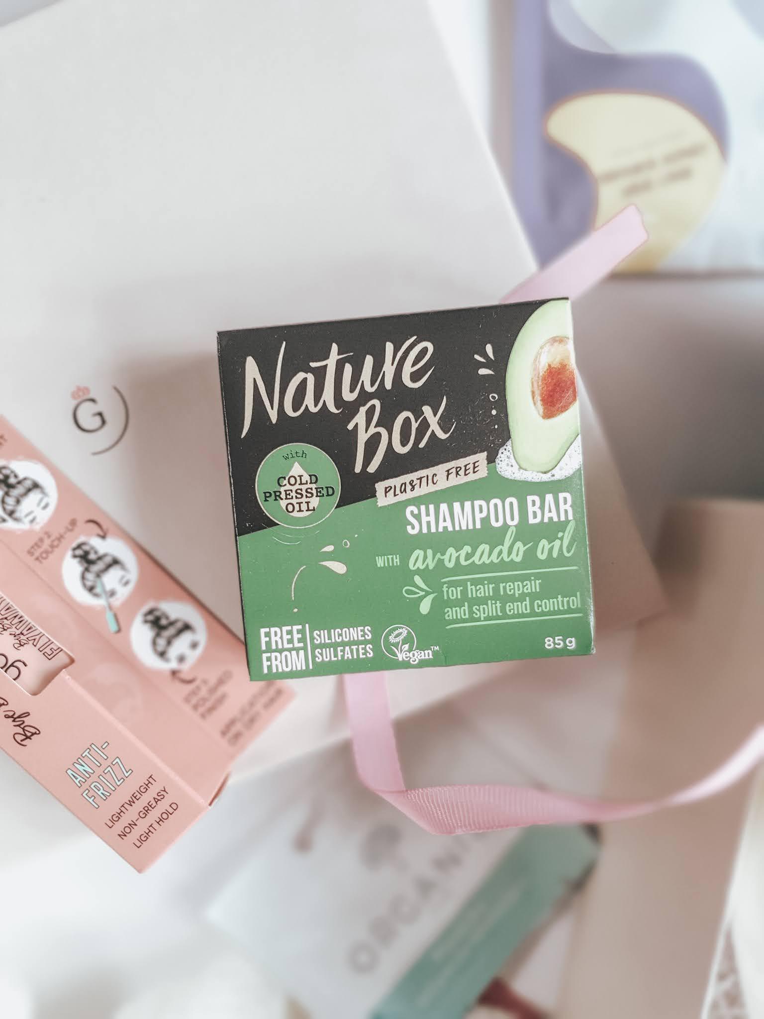 Szampon w kostce z olejem z awokado od Nature Box.