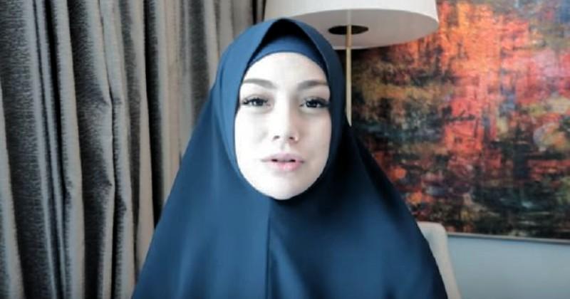 Sering Berhijab, Artis dan Cucu Pejuang Muslim Ini Ternyata Beragama Katolik