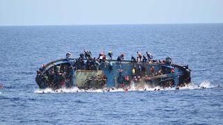 Εφιάλτης στη Μεσόγειο: Φόβοι για περισσότερους από 100 πνιγμένους μετανάστες