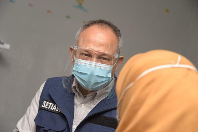 Percepat vaksinasi bagi Nakes, Sekda Jabar Tinjau Pelaksanaan Vaksinasi COVID-19 di Garut