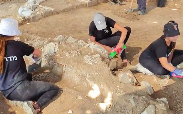1200-year-old mosque unearthed in southern Israel