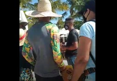 Ambulantes reclamam de não poder entrar em Cabana de Praia para ofereçer seus produtos aos turistas