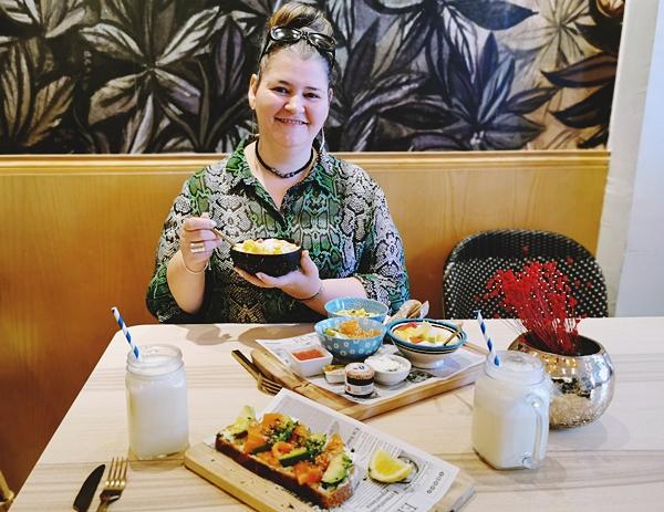 restaurant-Lova-Malaga-mic-dejun-bun
