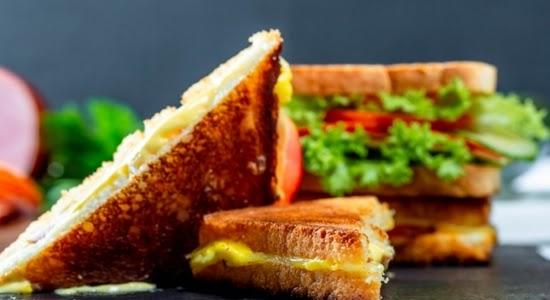चीज़ ग्रिल सैंडविच || चीज़ सैंडविच कैसे बनता है - तीन तरीक़े से बनाए चीज़ ग्रिल सैंडविच