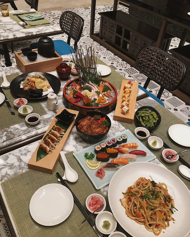 Ăn tối món Nhật