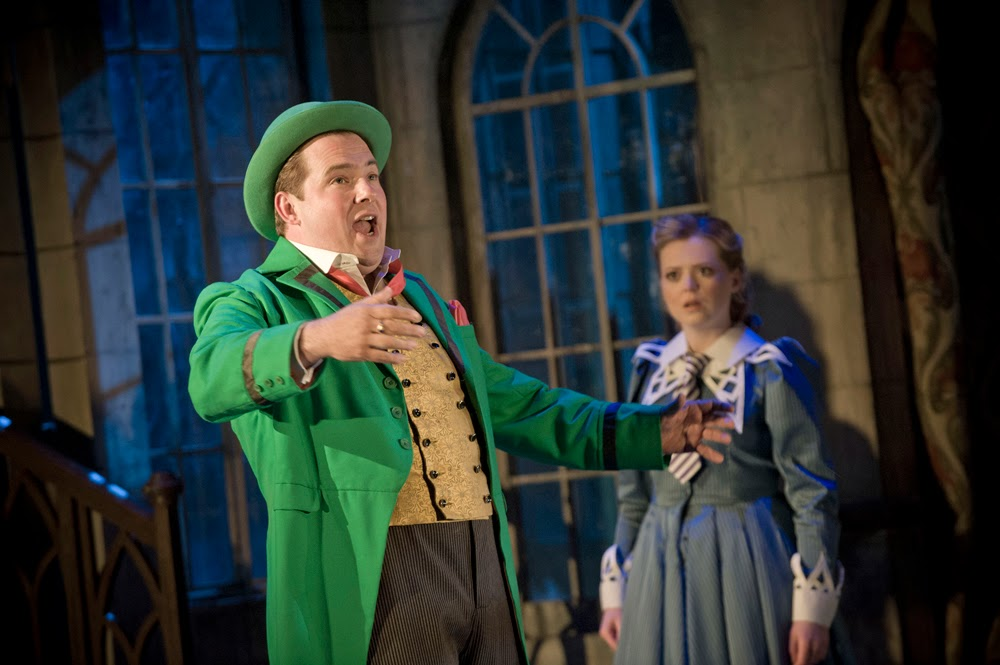 Garsington Opera - Vert-Vert, Robert Murray and Fflur Wyn - Photo Credit Mike Hoban