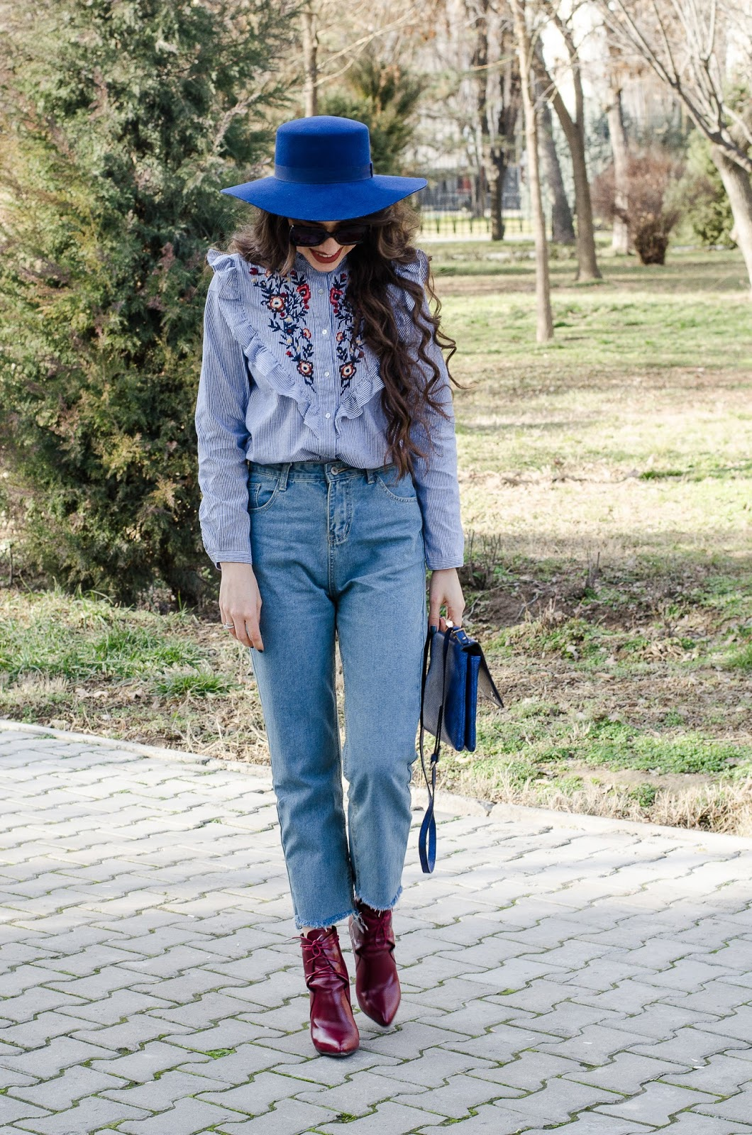 fashion blogger diyorasnotes mom jeans shein emroised shirt romwe hat asos