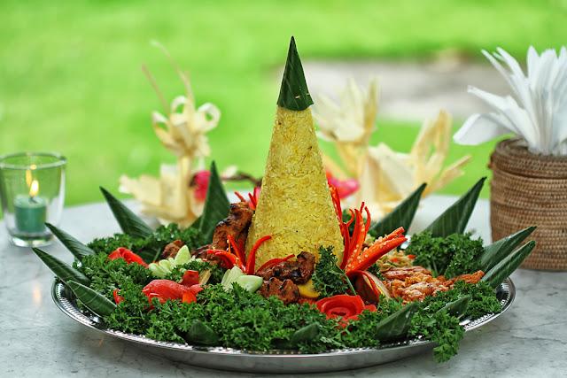 Pesan-Nasi-Tumpeng-Jakarta-Selatan-Inilah-Varian-Nasi-Tumpeng-yang-Jadi-Favorit