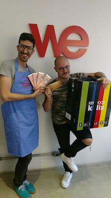 Vencedor da agência WE, Bruno Fróes, com Lucas Fischer, ex- participante do Bake Off Brasil - Divulgação