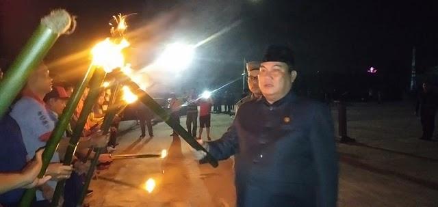 Renungan Suci dan Pawai Obor Tandai Malam Puncak Hari Kemerdekaan di Kubar