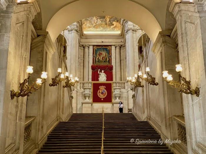 Palacio Real de Madrid マドリードの王宮の豪華な正面階段