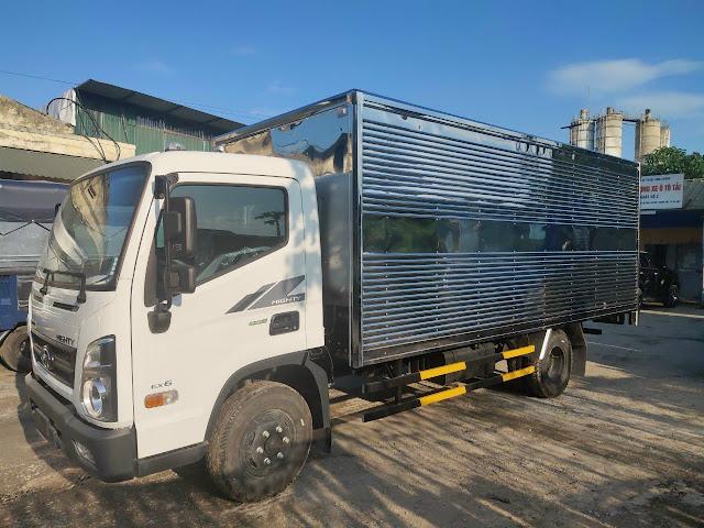 Xe tải Hyundai EX6 thùng kín 5 tấn