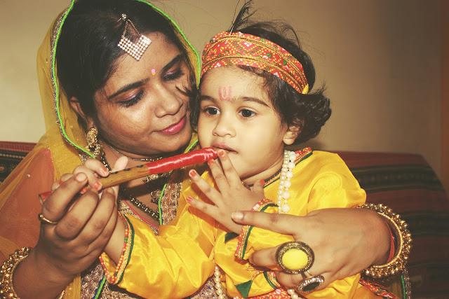 Janmashtami Special: Krishna and Yashoda OOTD