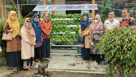 Tanimas SMPN 3 Kota Solok Panen Perdana