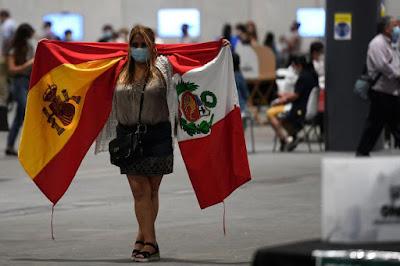 Fotos de peruanos votando en España elecciones Perú 2021