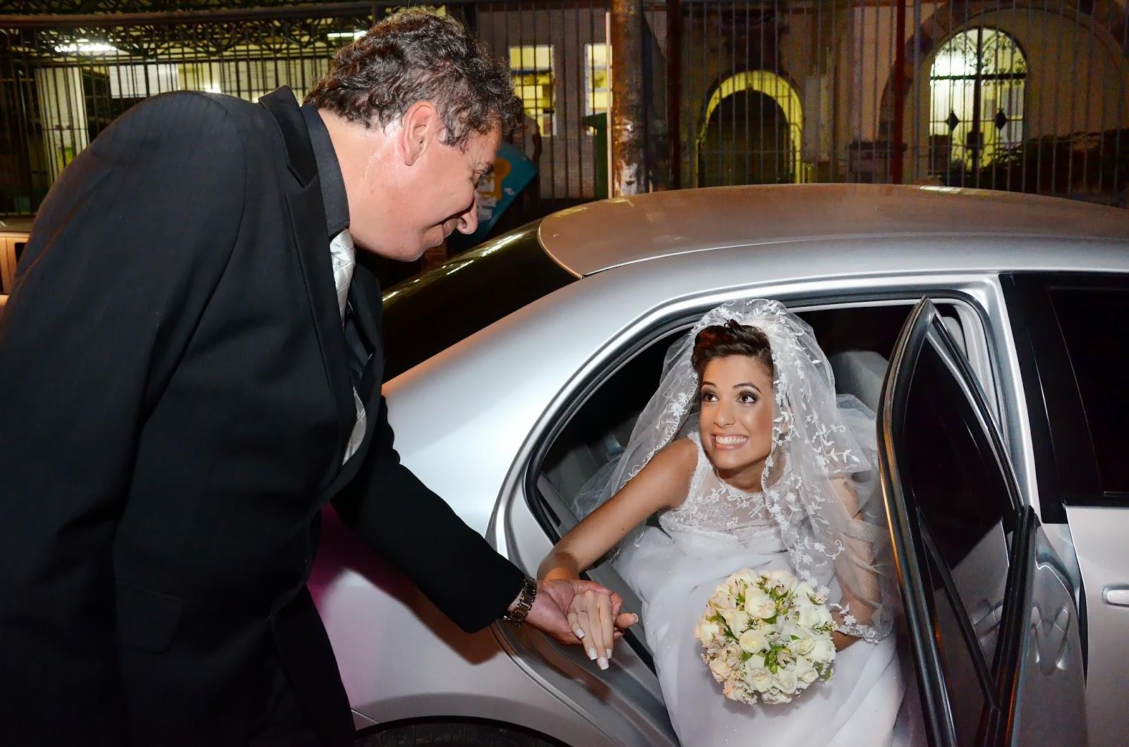 carro da noiva - noiva - bouquet - entrada noiva