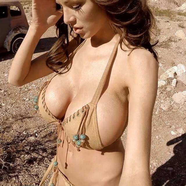 Big boobs ebony photos