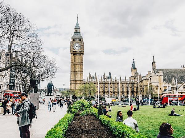 London love bug strikes again (+MeeBox)