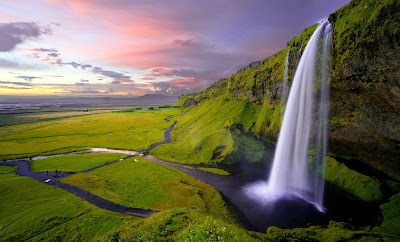 Waterfall in Iceland by Unsplash.com