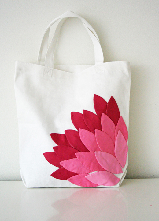 Hand Appliqued Petal Bag Free Tutorial