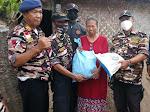 Sambut HUT Ke-43, FKPPI Rayon Haurgeulis Sasar Warga Kurang Mampu Bagikan Sembako