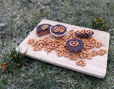 Salzig-süße Mini-Törtchen mit Karamell