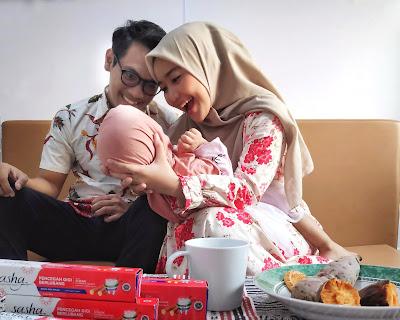 nyaman bercengrama bersama keluarga