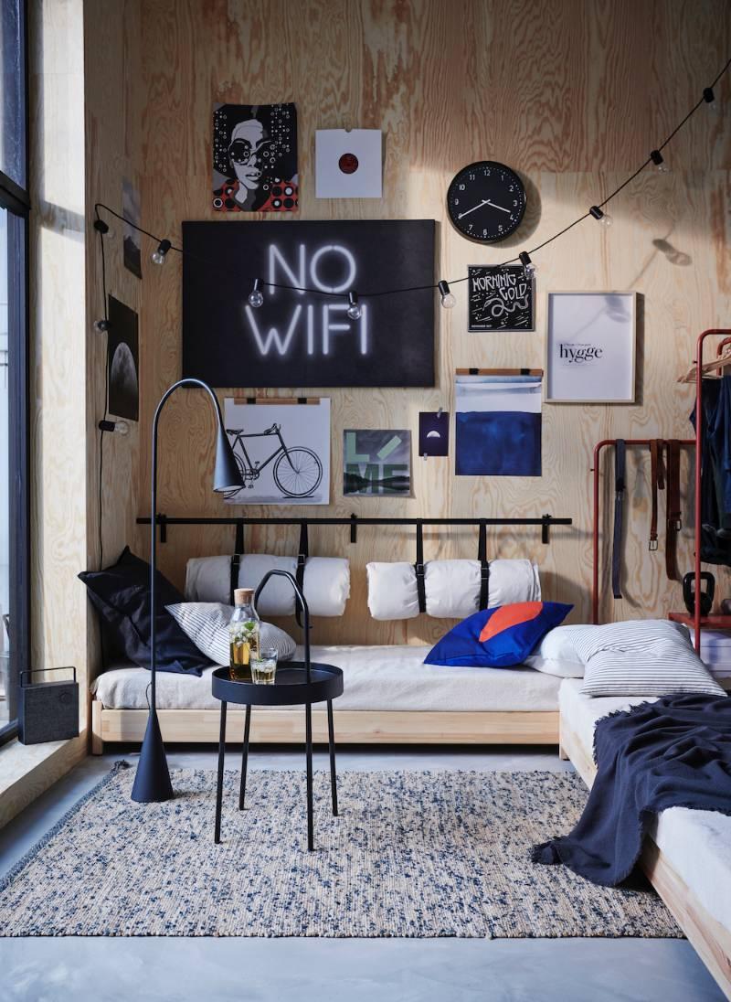 Dormitorio juvenil con cama tipo sofá de IKEA