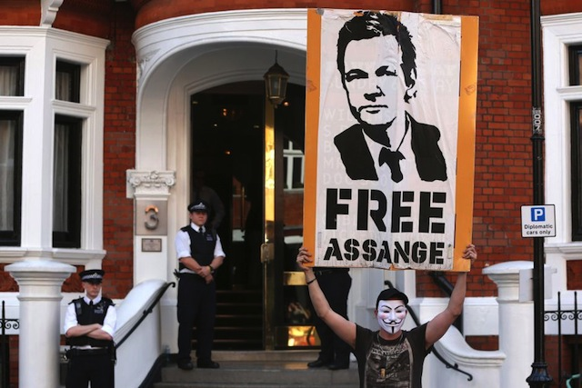 I know how to get Julian Assange out of the Embassy
