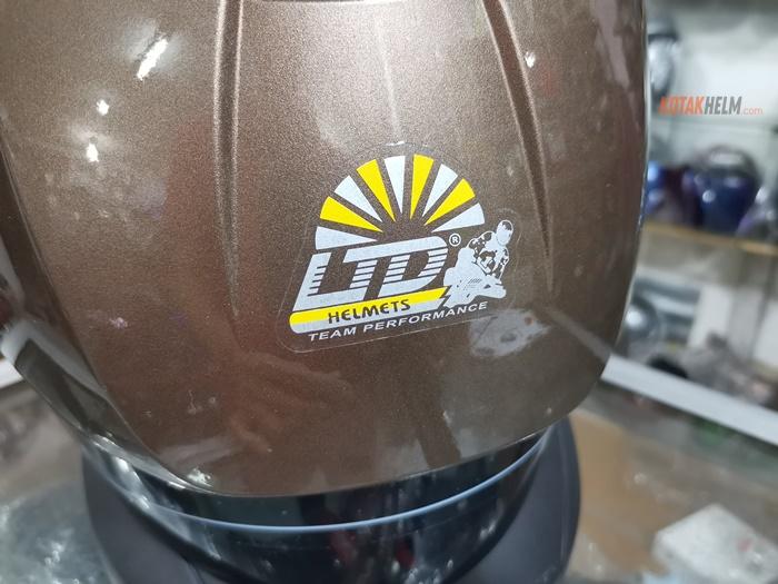 stiker LTD di depan