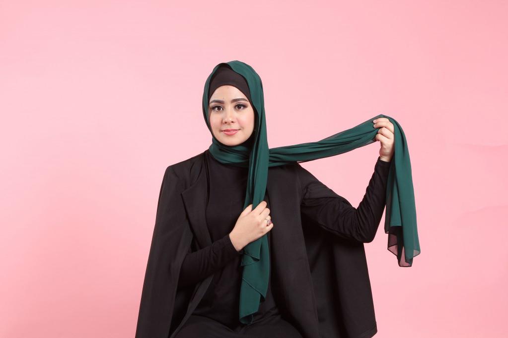 dada besar risty tagor model hijab model jilbab terbaru