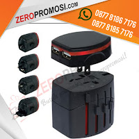 Barang promosi Universal Travel Adapter UAR04 + Pouch, Power Converter Adaptor, steker listrik, souvenir travel adapter, Travel Adapter UAR04 Sudah termasuk packaging pouch kain warna hitam