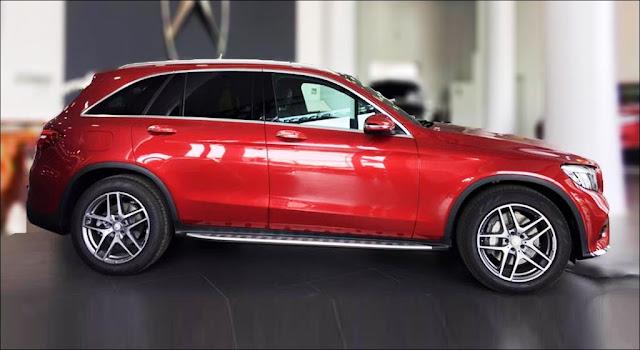 Hông xe Mercedes GLC 300 4MATIC 2019 thiết kế cực ngầu với Mâm xe 19-inch 5 chấu kép